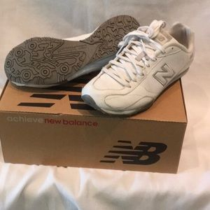 New Balance White tennis shoe